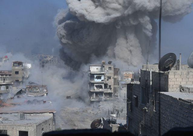 美国为首的国际联军空袭叙利亚代尔祖尔省,造成至少70人死伤