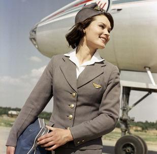 俄羅斯國際航空公司的空姐完成飛行任務後在伏努科沃機場