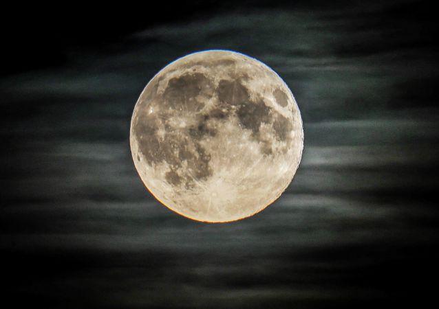 月球上的俄月球车将由机器人控制