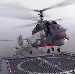 俄罗斯卡-27直升机成功完成波罗的海巡逻舰降落演习