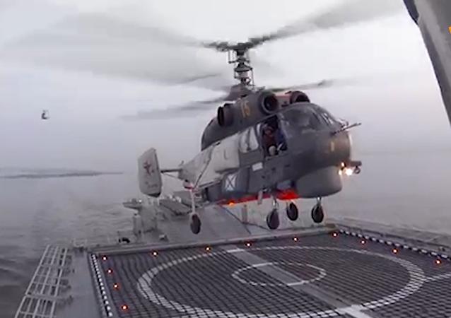俄羅斯卡-27直升機成功完成波羅的海巡邏艦降落演習