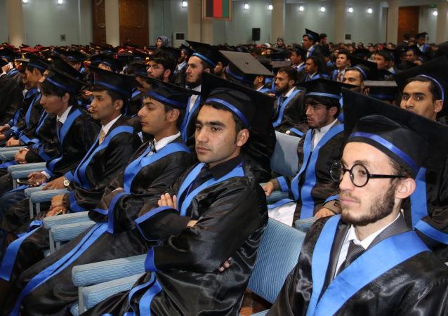 喀布尔大学学生(资料图片)