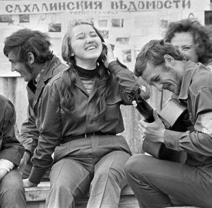 苏联主要建筑工程的大学生施工队