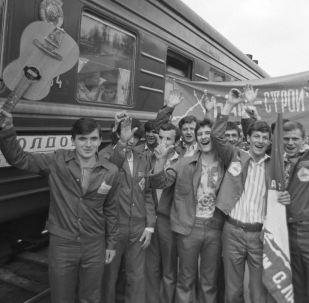 蘇聯主要建築工程的大學生施工隊
