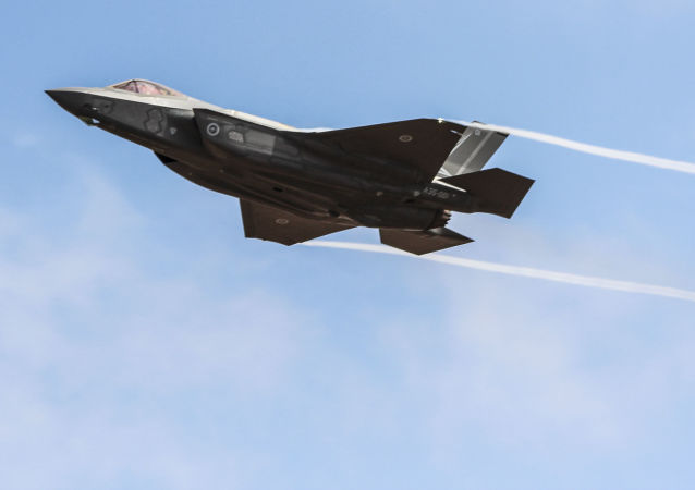 """F-35""""闪电II""""战机"""