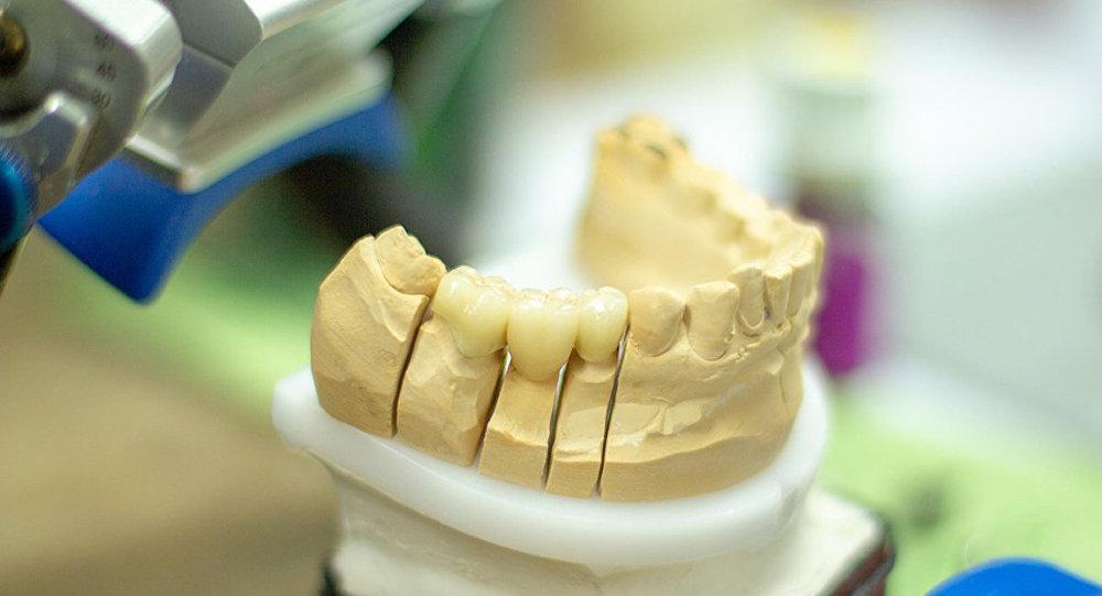 老人假牙卡喉咙 医生竟开漱口水
