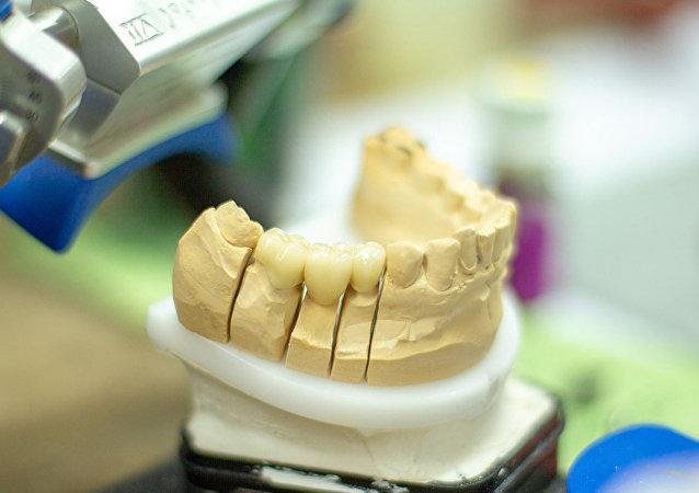 老人假牙卡喉嚨 醫生竟開漱口水