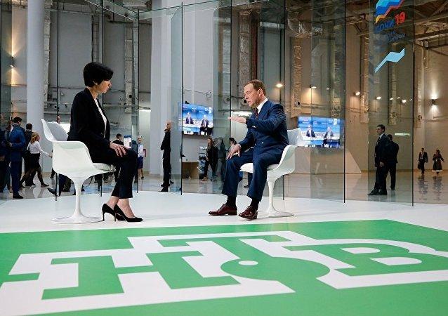 俄总理:西方制裁无法彻底冲垮俄罗斯经济