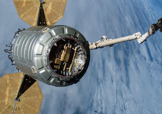 美航空航天局:天鹅座货运飞船抵达国际空间站