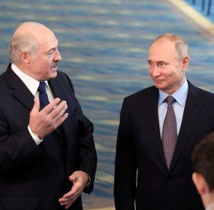 卢卡申科和普京(资料图片)