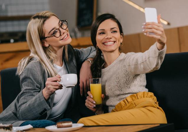 民调:仅13%俄罗斯女性满意自身颜值