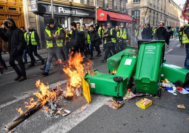法國議會終審通過打擊流氓行為法