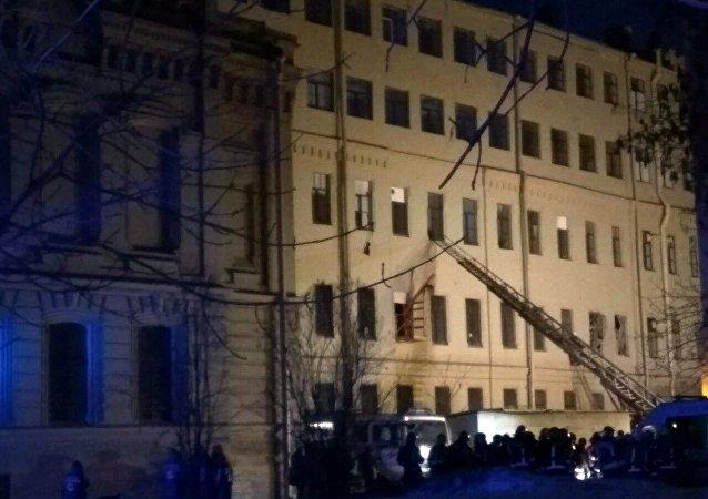 緊急情況部:不排除聖彼得堡大學坍塌廢墟下埋人的可能性