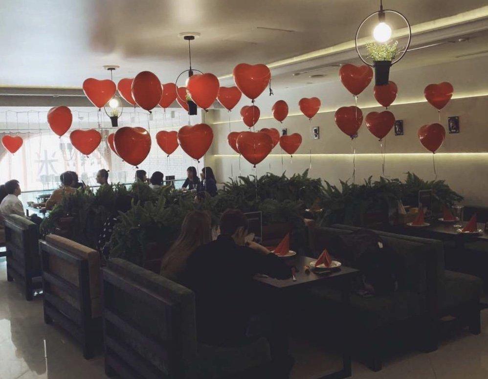 莫斯科中餐馆里浪漫的情人节氛围