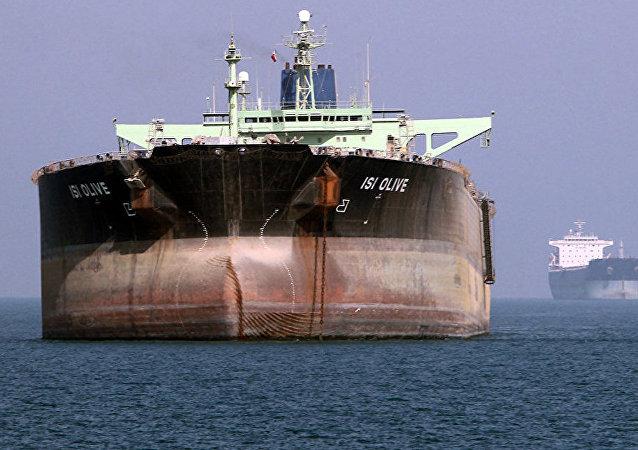 英国开始调查阿曼湾油轮遇袭事件