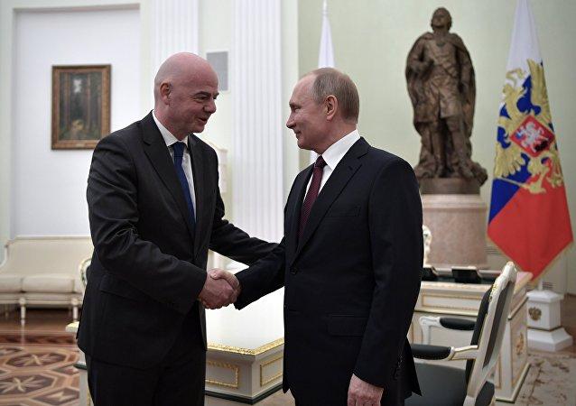 普京下令授予國際足聯主席俄聯邦「友誼勳章」