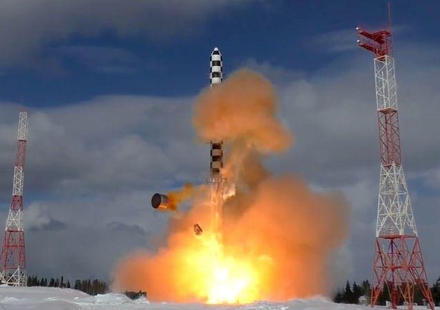 """俄""""萨尔马特""""重型洲际弹道导弹的性能首为人知"""