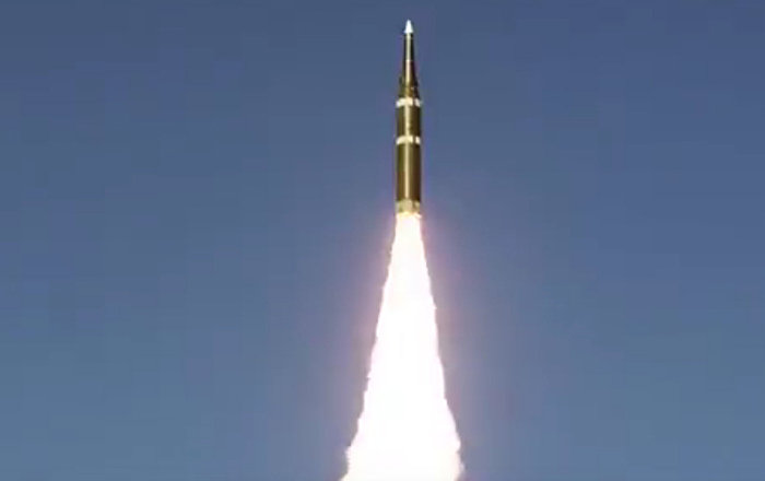 中国展示了发射自己导弹的时刻