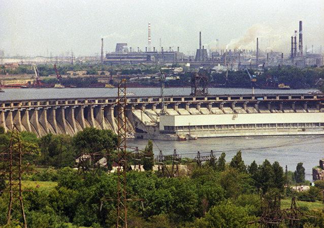 第聂伯河水电站和扎波罗日钢铁联合企业