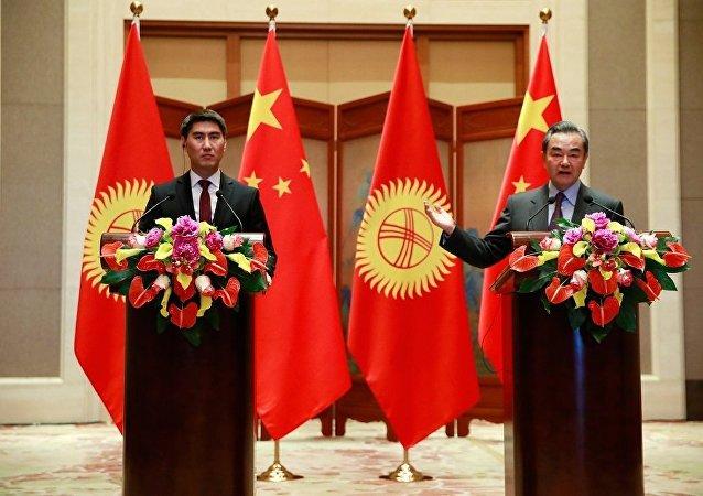吉尔吉斯斯坦外长:吉国内针对吉中合作出现的消极声音是来自外部的挑拨和个别势力的利用