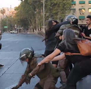 智利工会领袖纪念游行以与警方冲突结束