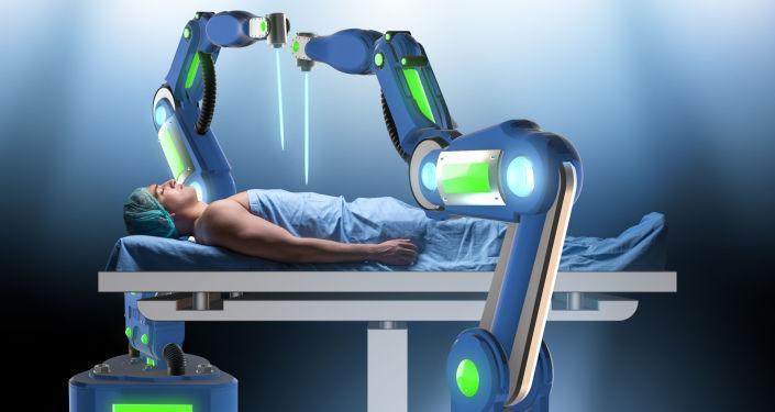 俄秋明州機器人外科醫生為患者做膀胱手術