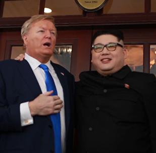 """特朗普和金正恩模仿者在河内举行""""假峰会"""""""
