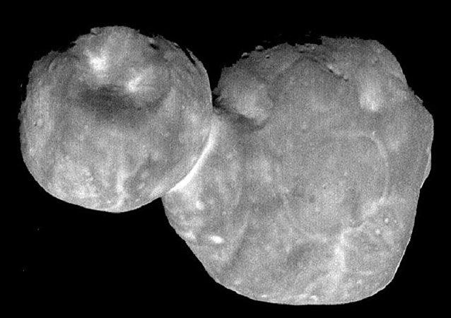 """美国宇航局公布小行星""""天涯海角""""最清晰影像"""