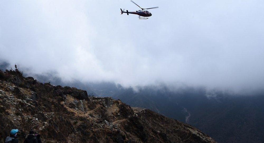 尼泊尔直升机坠毁文化部长等7人遇难