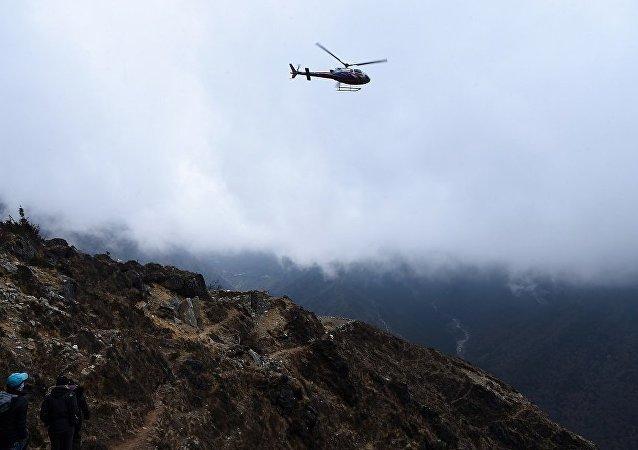 尼泊爾直升機墜毀文化部長等7人遇難
