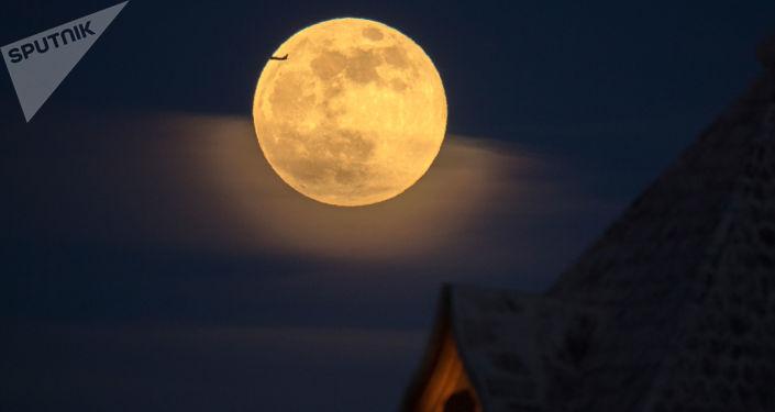 美苏月球竞赛让科学家们获得95%的月球数据
