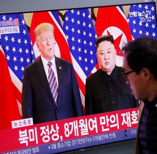 """美朝领导人""""一对一""""会谈40分钟"""