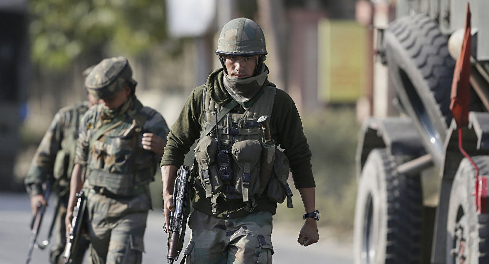 """媒体:印度情报部门消灭克什米尔""""基地""""分支的头目"""