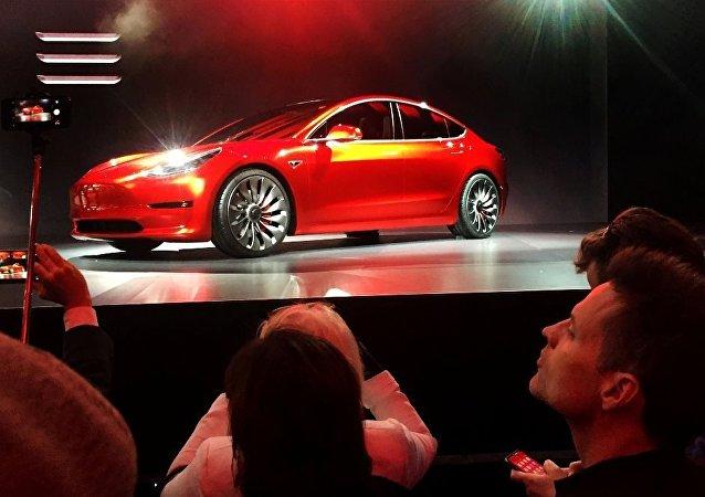 特斯拉發售最廉價版Model 3 起售價為3.5萬美元