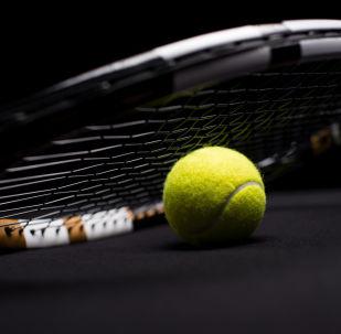 中国选手王亚凡在墨西哥阿卡普尔科网球公开赛上夺得职业生涯首冠