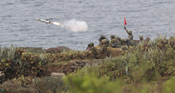 Крупномасштабные военные маневры Хань гуан в Тайване.
