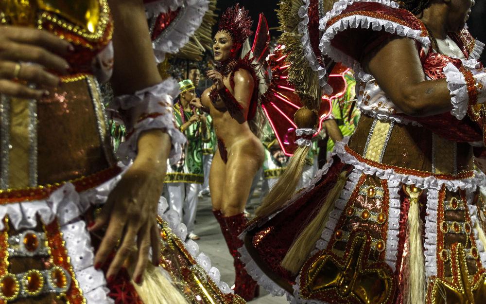 巴西狂欢节火热启幕