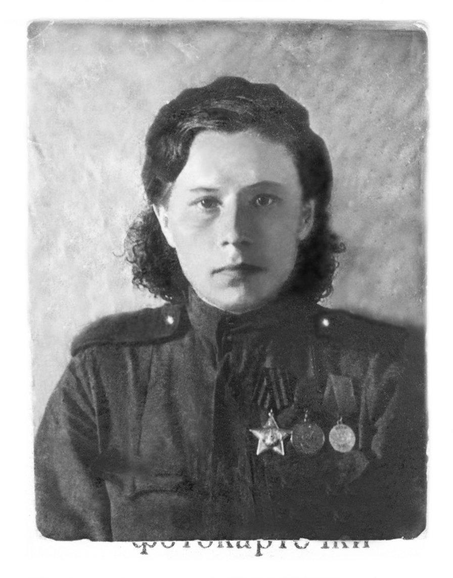 1943年,醫療隊隊長瑪利亞·沙瑪耶娃