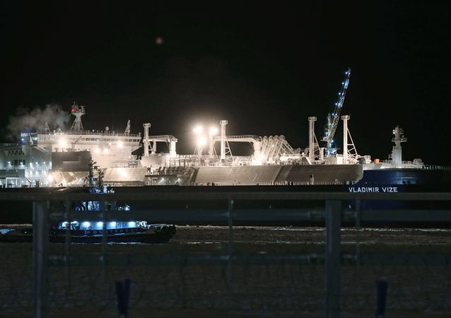 專家:建立北極破冰油輪船隊獲得俄中高層支持