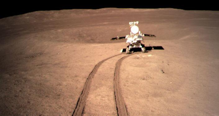 """""""玉兔二号""""月球车在月球背面累计行走319米"""