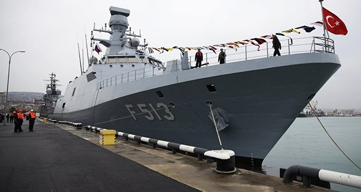 土耳其海军军舰在军演框架内停靠俄新罗西斯克港
