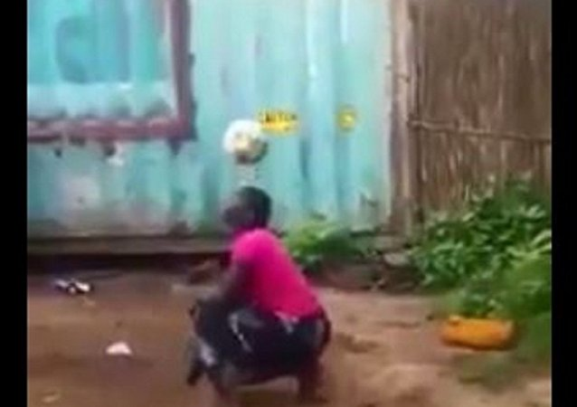 坦桑尼亚妇女获特朗普推文致敬其足球技巧