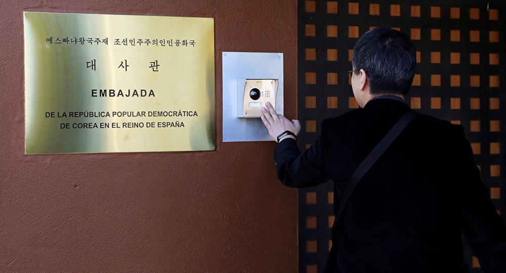 媒体: 马德里警方发现朝鲜大使馆内有大量武器
