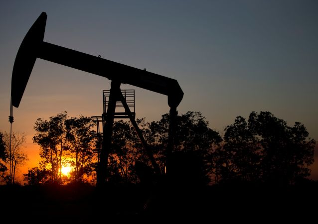 Нефтяная скважина на месторождении возле Эль Тигре, Венесуэла