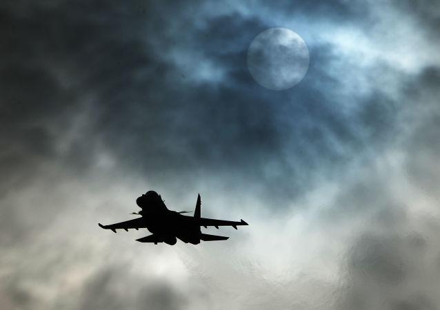 西班牙空军飞机坠入地中海 飞行员弹射逃生