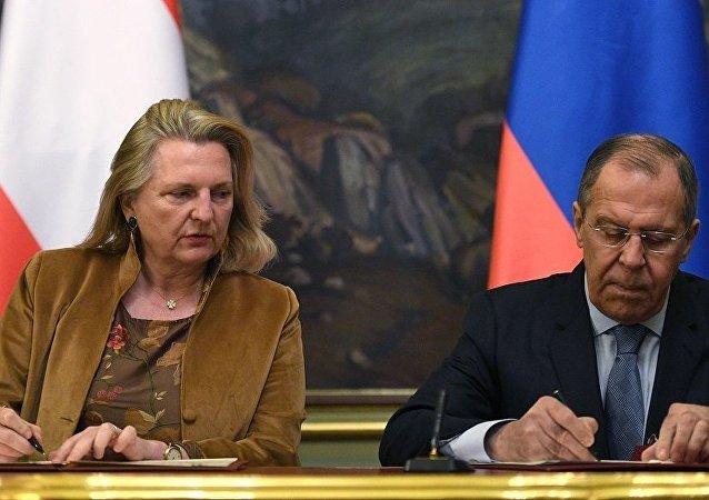 俄外长:美拨款给伙伴们抵御俄影响力是试图收买他们