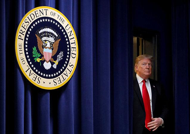 美国总统签署文件承认以色列对戈兰高地拥有主权