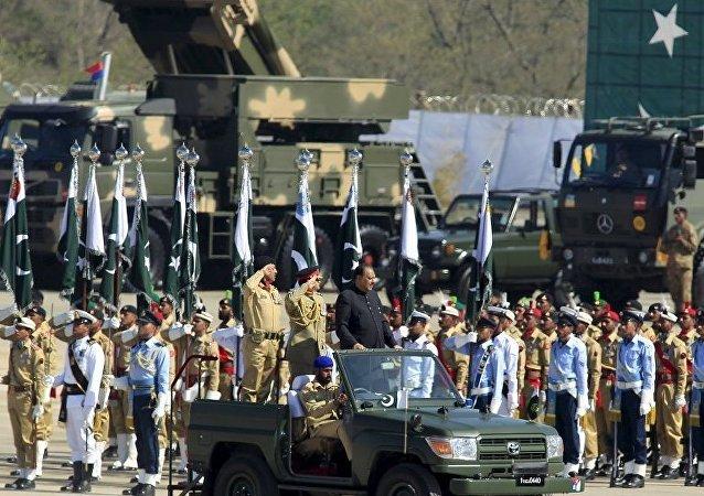巴基斯坦在与印度关系恶化背景下举行阅兵式