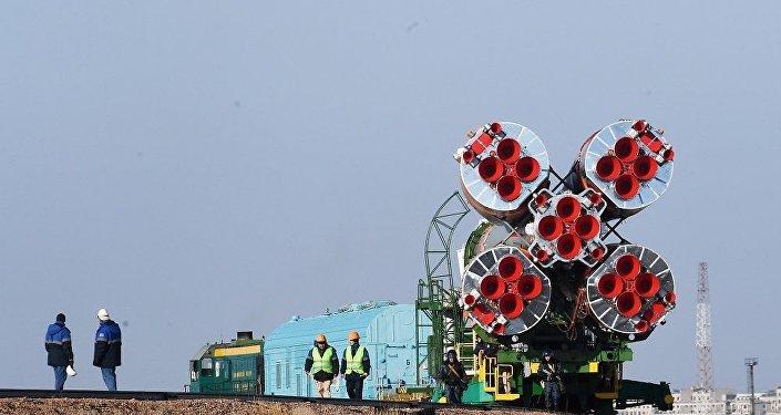 搭載「聯盟MS-13」飛船的火箭已被安裝到拜科努爾航天發射場發射台