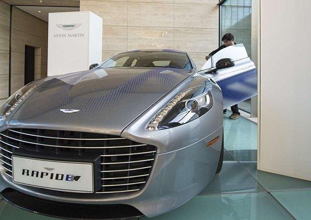 Aston Martin's RapidE